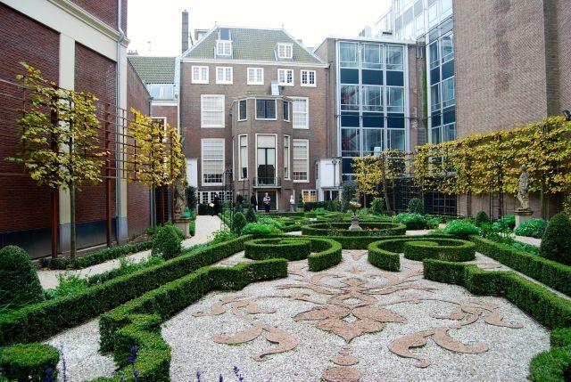 Willet House Garden