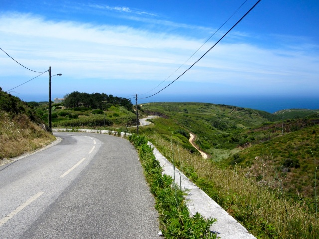 Road down to Cabo do Roca