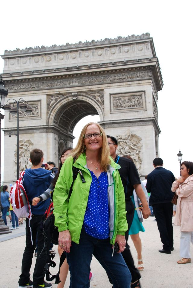 Bev at the Arc de Triomphe