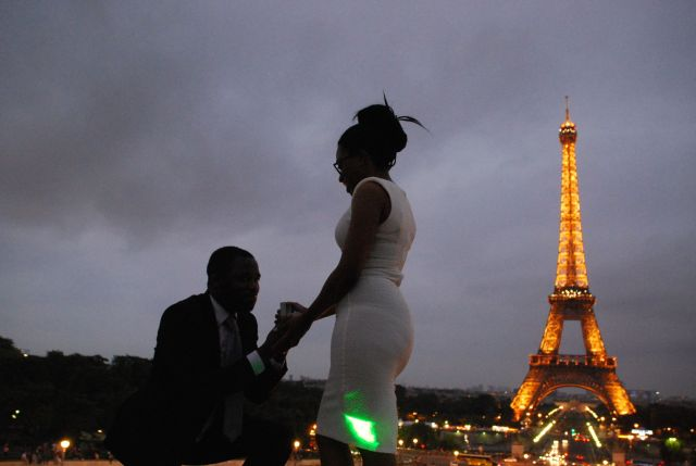 Eiffel Tower Couple