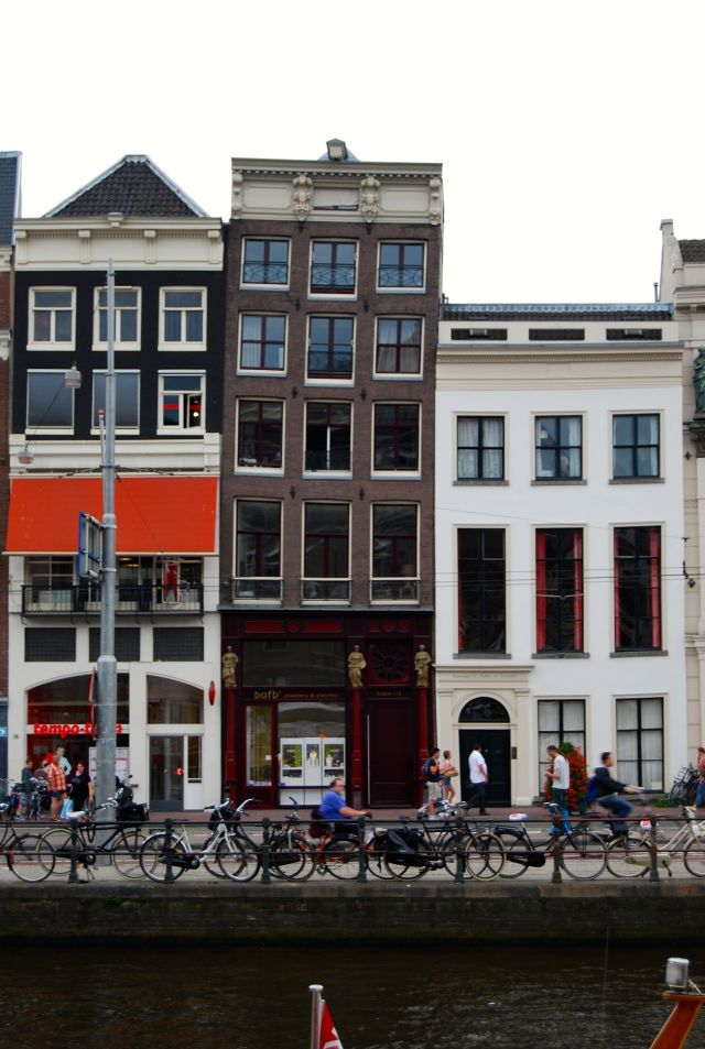Amsterdam Crooked House