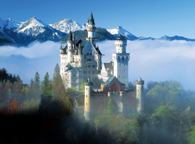 Nueschwanstein (Purchased Photo)