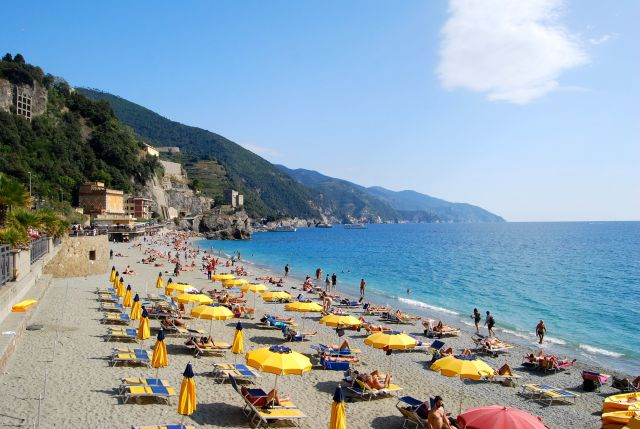 Monterosso Resort Beach