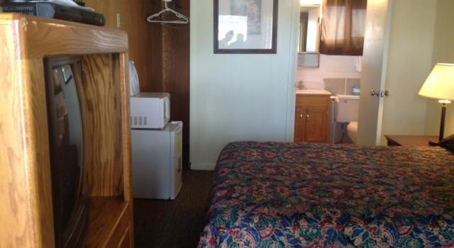 budget-inn-room