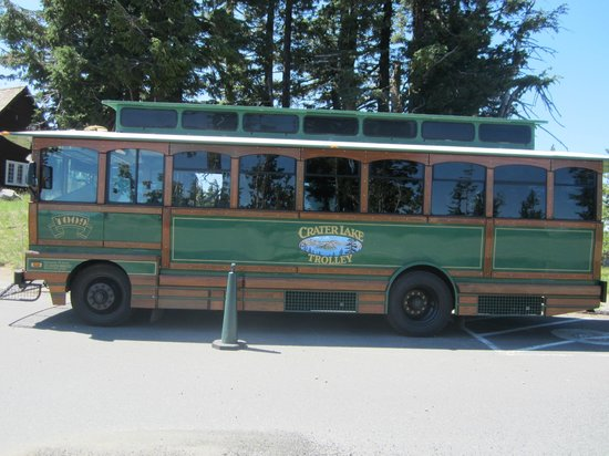 crater-lake-trolley