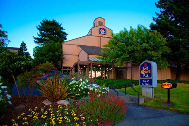 best-western-plus-inn-at-the-vines-exterior-at-california