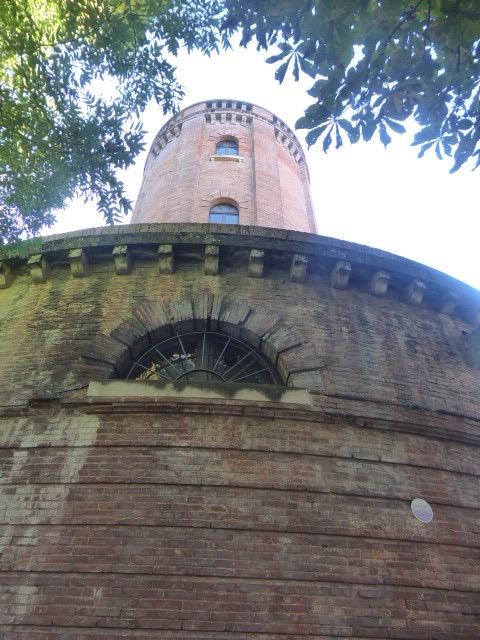 Le Chateau d'Eau