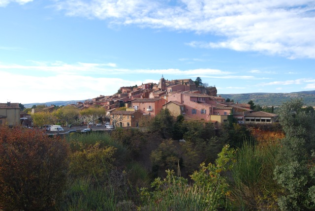 Roussillon in Distance