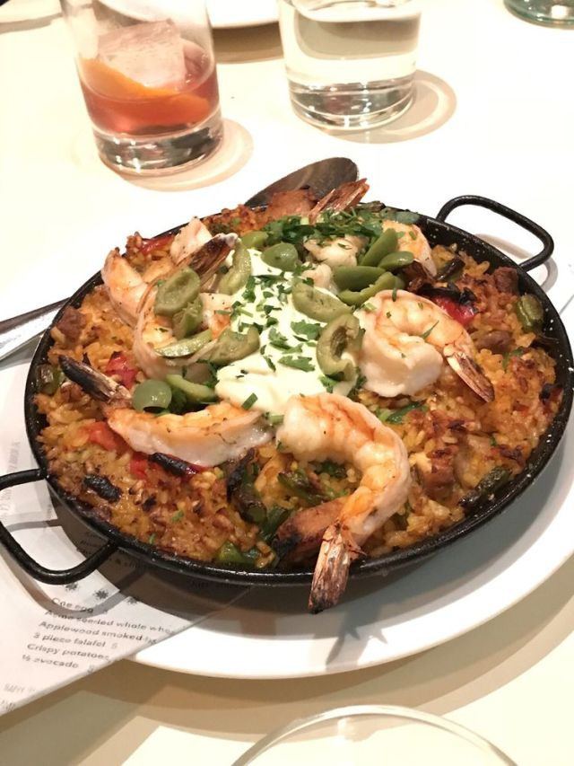 Shrimp and Chicken. Paella