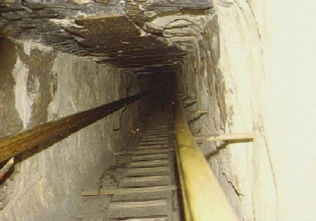 Narrow Passage to the Chamber
