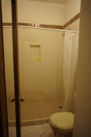 Toilet and Shower at Azucenas