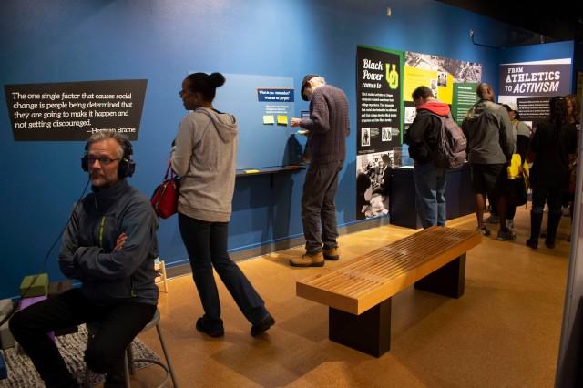 people_in_exhibit_4_web